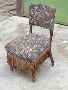 Mahagóni fából kárpitos érdekes szék . Szecessziós ?