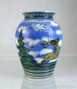 0K238 Régi szarvasos vadászos kerámia váza 22 cm