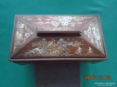 Vietnami INTARZIA gyöngyház berakásos figurális tájképes doboz,jelzet