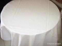 Gyönyörű luxus minőségű hatalmas hófehér damaszt terítő