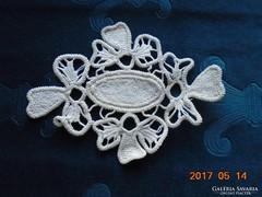 Kis POINT LACE terítő-virág és ovál mintával-16 x 12 cm-(20)