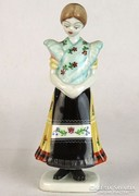0L828 Régi hollóházi porcelán matyó leány 16 cm