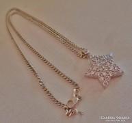 Szép kövekkel ezüst csillagmedál láncon