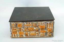 Szilágyi Ildikó fémműves iparművész bronz doboz