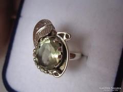 Kétféleképpen hordható ezüst gyűrű zöld ametiszt kővel