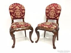 Restaurált faragott antik székek párban