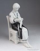 0M717 Biszkvit porcelán varrónő figura 17 cm