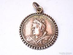 Ezüst medál Sátori Nelli és Sátori Rózsika emlékére 1902