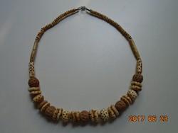 Faragott csont és szantálfa férfi nyaklánc-57 cm