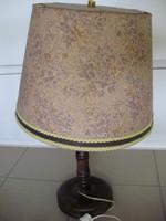 Iparművészeti virágmintás ernyőjű,faragott állólámpa
