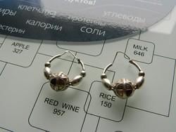 Modern stílusú régi ezüst fülbevaló gömb mintával