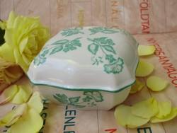 Zsolnay zöld szekfű mintás bonbonier