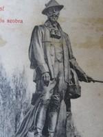 RUDOLF KORONA HERCEG HABSBURG TRÓNÖRÖKÖS BUDAPEST VÁROSLIGET SZOBOR VADÁSZ RUHA FELSZERELÉS BEN 1908