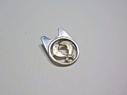 925-ös ezüst medál aranyozott delfinekkel