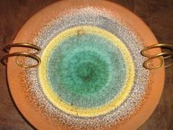 Nagyon retro asztali tányéra 60-as évekből aranyszínű hajlított tartóban (pici pattanással olcsó)