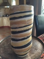 Gorka Lívia szép vázája