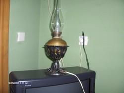 Antik petroleumlámpa átalakítva villanyra