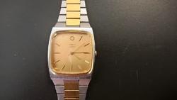 Szép tokozású retro Timex quartz (FQ4)