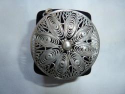 Antik  nagy ezüst filigrán medál-bross