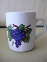 Ritka Zsolnay szőlős bögre II.