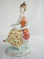 Hollóházi porcelán barokk kottás hölgy