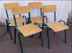 Rakásolható fémvázas szék - 4 darab , masszív , jó állapotú szék