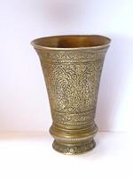 Antik indiai réz kupa.