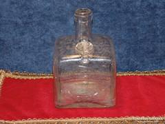 Gschwindt Budapest likőrösüveg