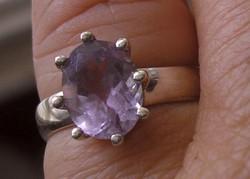 925 ezüst gyűrű, 16,3/51,2 mm, ametiszttel