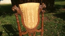 Gyönyörű kézi faragású oroszlánfejes és mintás antik szék