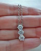Gyönyörű három szikrázó köves ezüstnyaklánc