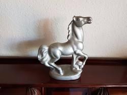 Kecse ló szobor