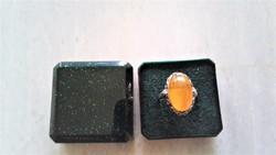Ezüst gyűrű, valódi borostyán kővel