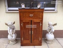 Antik bútor, Szecessziós komód, félszekrény felújított.