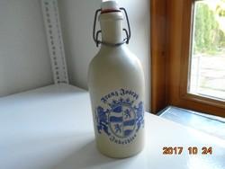 Címeres csatos kerámia palack