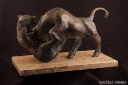 Medve-bika küzdelem bronz szobor  bull and bear