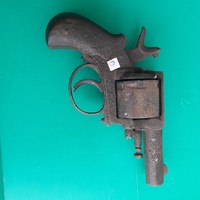 Hatástalanított pisztoly az 1800-as évek 2. feléből 13