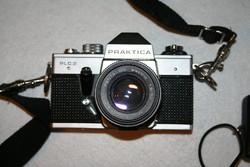 Praktica PLC3 fényképezőgép és fotós kellékek egyben és darabokban