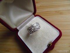 Áttört mintás ezüst gyűrű - szép dekoratív. 18,8 belső átmérővel