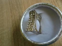 Designer csiszolt köves gyűrű