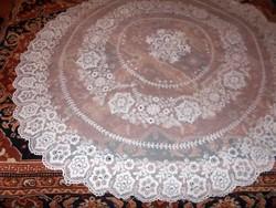 Csodás bécsi tüll asztal teritő