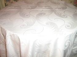 Csodaszép hófehér hatalmas 360 x 125 damaszt terítő