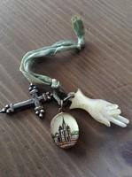 Antik gyöngyház faragású medálok ezüst kerszttel