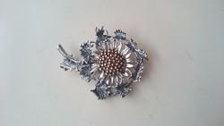 Ezüst antik 835- ös közepén aranyozott gyönyörű virág bross, kitűző