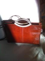 Konyak színű borjúbőr olasz vintage klasszikus női táska különleges fém fogantyú ami a dísze is
