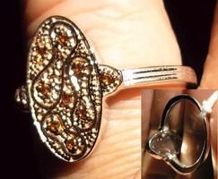 925 ezüst gyűrű, 18/56,5 mm, vörös gyémánt ovális fej
