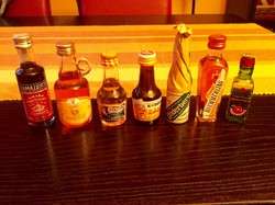 7 db-os mini ital mini üveg gyűjtemény makulátlan állapotban