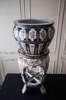Porcelán posztamens kaspóval, jelzett, nagyméret