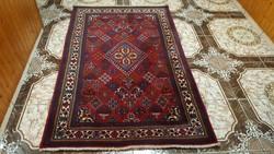 Gyönyörű kézi csomózású perzsa szőnyeg