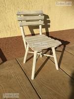Provence bútor, antikolt fehér gyerek szék.